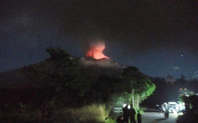 Балі знову накрило потужне виверження вулкана, евакуйовані сотні жителів: опубліковані моторошні фото і відео