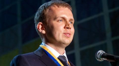 На елітну яхту Курченко накладено арешт