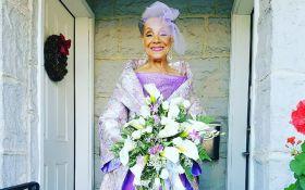 86-річна наречена вразила всіх сукнею власного дизайну: з'явилися фото