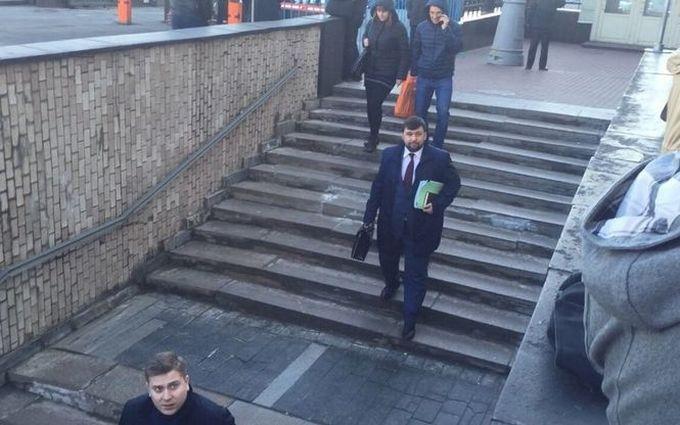 Заходил за зарплатой: соцсети высмеяли главаря ДНР в гостях у Путина