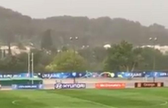 Погода втрутилася в плани збірної України на Євро-2016: опубліковано відео