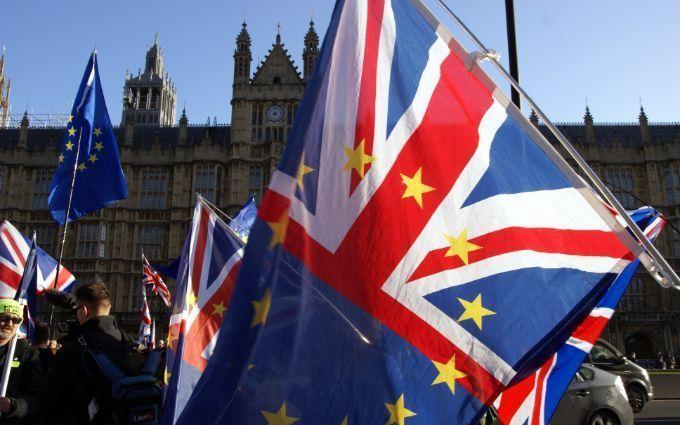 Вихід Британії з ЄС: у Брюсселі підписали остаточну угоду