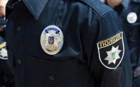 В Киеве полицейские спасали женские ножки: появились фото