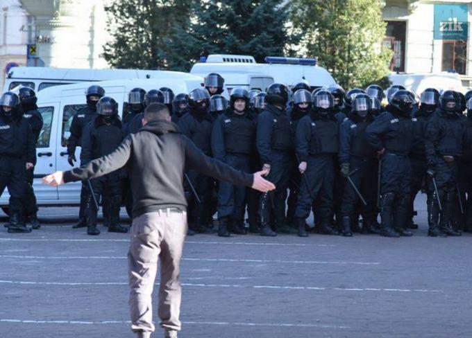 Атака на Марш равенства во Львове: появились фото и видео (1)