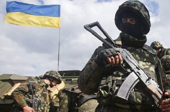 Бойовики посилюють обстріли на Донбасі: поранені декілька українських бійців