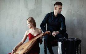 Украинские музыканты исполнили известный хит на бандуре: появилось видео