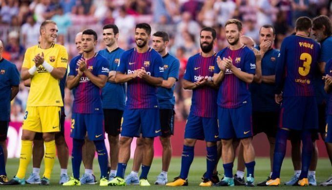 Барселона сыграет с Бетисом в футболках в память о жертвах теракта