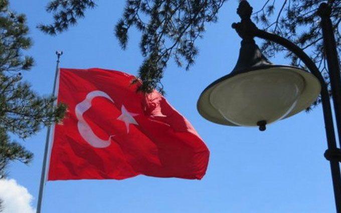 У Туреччині напали на посольство Ізраїлю: з'явилися фото і відео