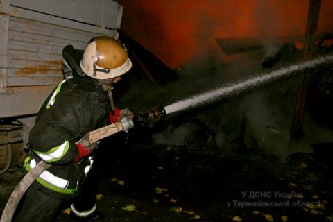У Тернопільській області згорів меблевий цех