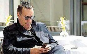 В сети бурно обсуждают неожиданный приезд в Киев всемирного известного рок-музыканта: опубликованы фото