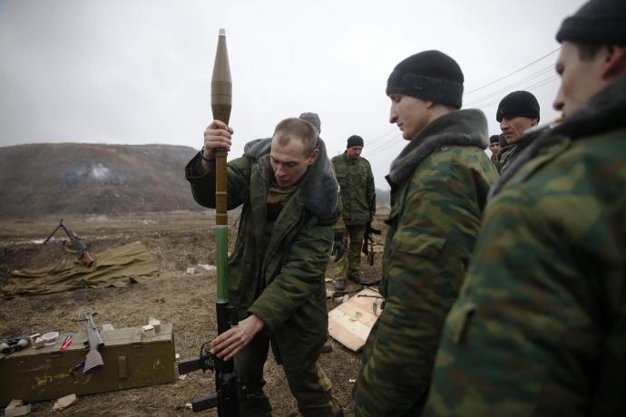 За прошлые сутки боевики 20 раз обстреливали позиции сил АТО (видео)