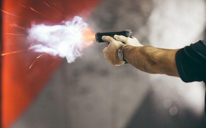 У російському Єкатеринбурзі зчинили стрілянину, багато поранених