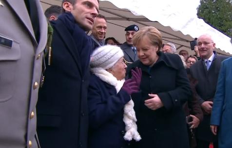 """""""Все знают об их романе"""" Меркель перепутали с женой Макрона (1)"""