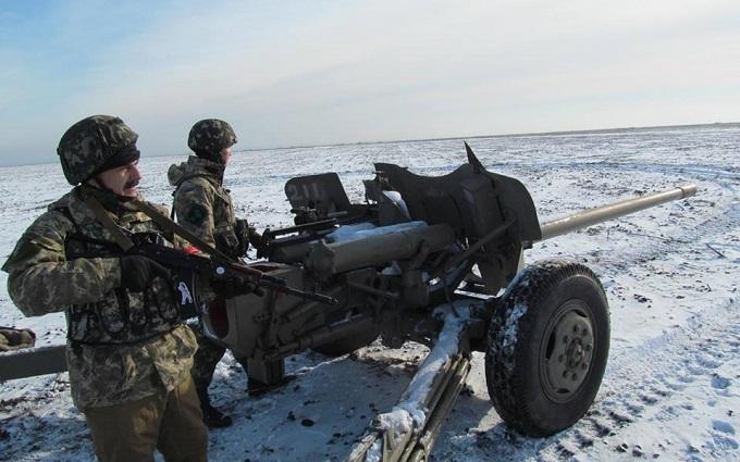 Боевики ночью 44 раза открывали огонь по позициям ВСУ - штаб АТО