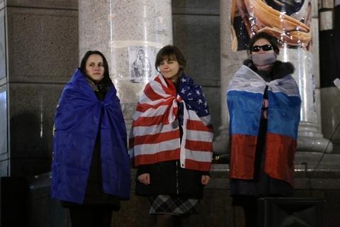 На Майдане почтили память Небесной сотни: опубликованы фото (2)