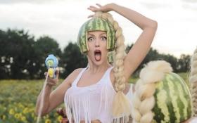 """Полякова повеселила своїм троном із """"Гри престолів"""": опубліковано фото"""