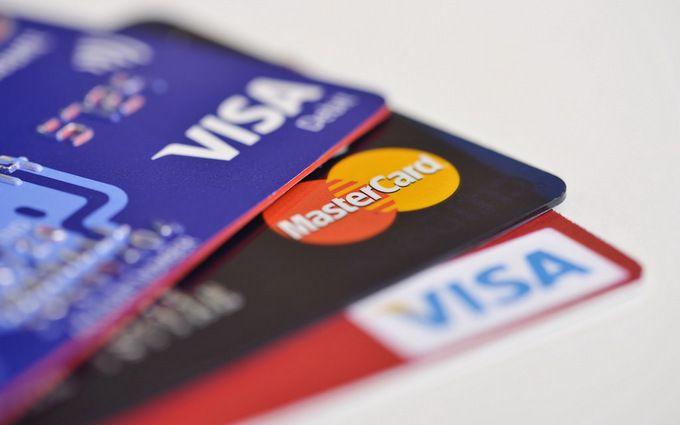 В окупованому Криму припинили випуск та обслуговування карток Visa і MasterCard