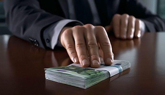 Украинцы не видят желания власти бороться с коррупцией