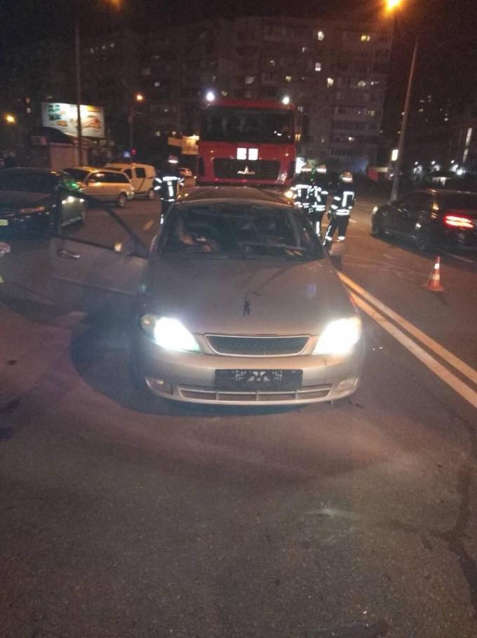 В Киеве произошел смертельный взрыв: появились фото и видео с места ЧП (1)