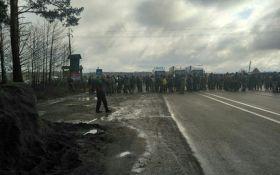 Блокада міжнародної траси на Рівненщині: з'явилися нові подробиці