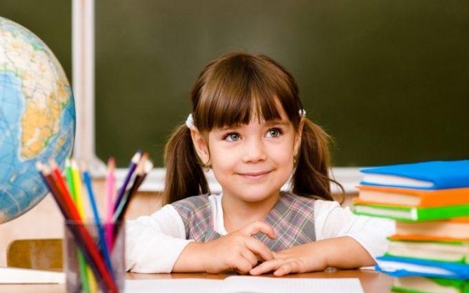 Красная ручка и домашнее задание на выходных запрещены: чего ждать школьникам в этом году