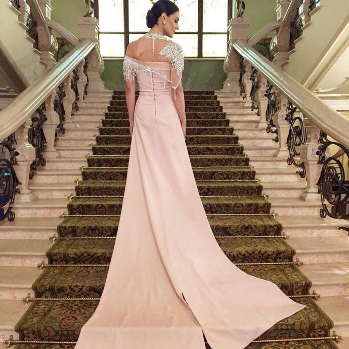 Українська телеведуча вразила розкішною сукнею: опубліковані фото (3)