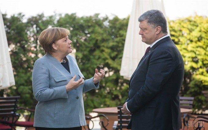 Меркель рассказала Порошенко о результатах ее встречи с Путиным