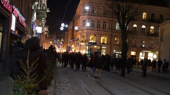 День рождения Бандеры отметили по всей Украине: появились фото и видео (6)