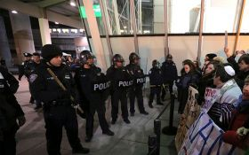 По США прокатилась волна протестов против указов Трампа: появились фото и видео