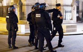 У Франції підозрюваний у тероризмі поранив двох поліцейських