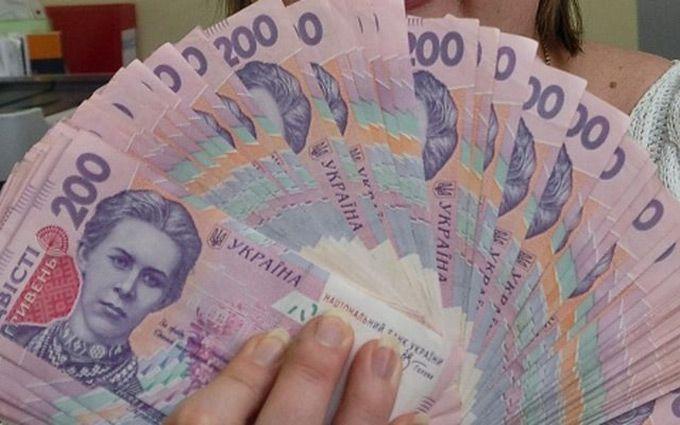 Нацбанк ограничил расчеты наличными до 50 тыс. грн