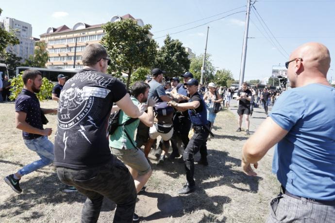 Бійка під судом в Києві: з'явилися фото і нове відео (1)