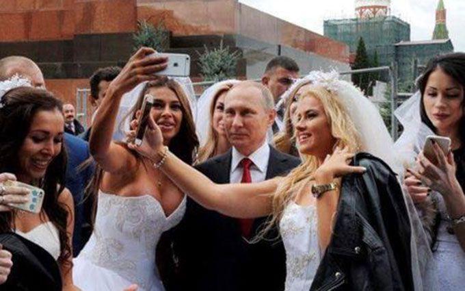 Путіна спіймали на зйомці з фальшивими нареченими: в соцмережах сміються