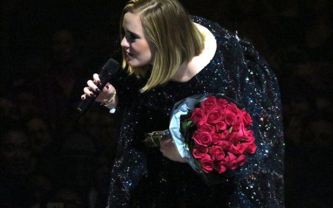 Популярна співачка підкорила зал вушками Мінні Маус: опубліковані фото