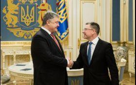 Порошенко обговорив з Волкером виконання Мінських угод