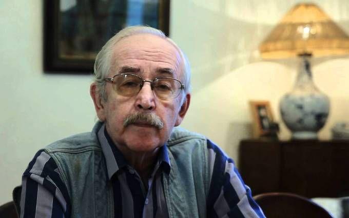 Артист Ливанов попросил В. Путина «даже недумать» обуходе сосвоего поста