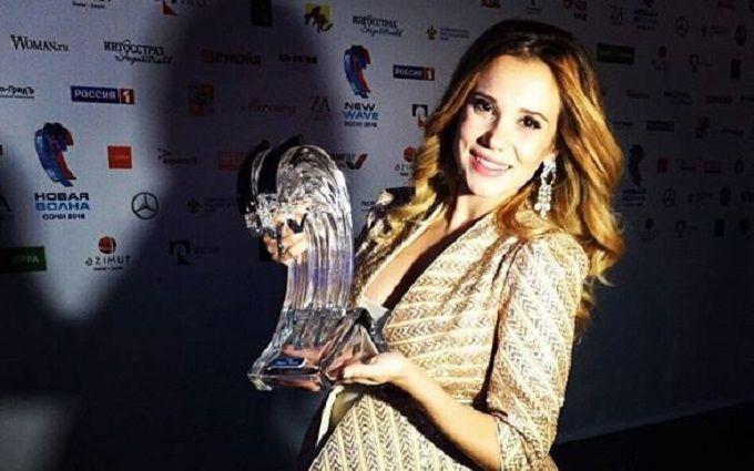 Українська зірка Нової хвилі зворушливо подякувала фанатам: з'явилися фото з нагородою
