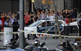 Теракт в Барселоні: під час траурної ходи сталася велика сутичка