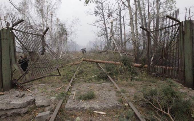Взрывы под Ичней: появились новые кадры кошмарных последствий пожара на военных складах