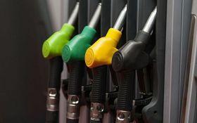 В Украине продолжает дешеветь бензин: названы новые цены