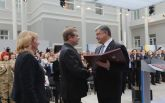 Герой Украины: Порошенко наградил бывшего пленника боевиков, появились фото и видео