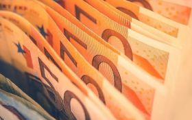 Курс валют на сьогодні 13 листопада: долар подорожчав, евро подешевшав