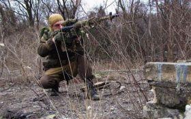 Снайпери ДНР розстріляли авто волонтерів, є поранені