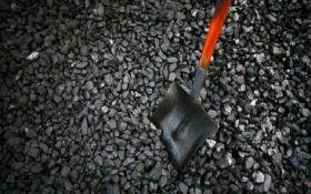 Росія експортує вугілля з окупованих районів Донбасу до третіх країн – Bloomberg