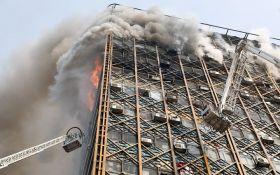 Рухнувший небоскреб в Иране убил десятки людей: появились видео