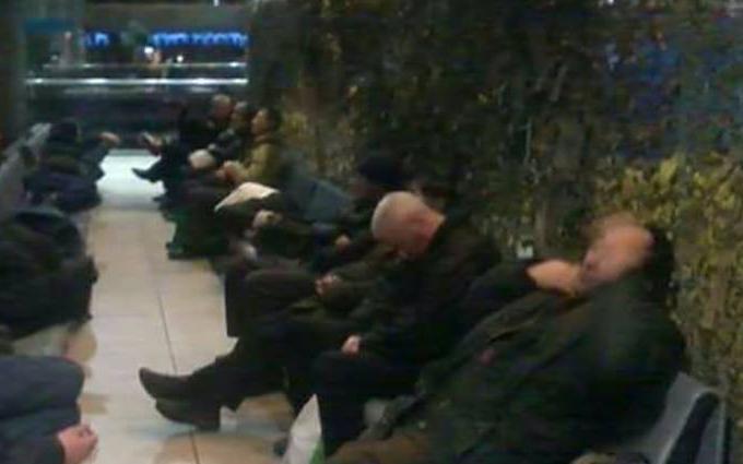 На вокзале в Киеве на бойцов ВСУ охотятся клофелинщики: опубликовано фото
