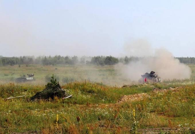 Натиск і вогонь: з'явилися яскраві фото українських військових (1)