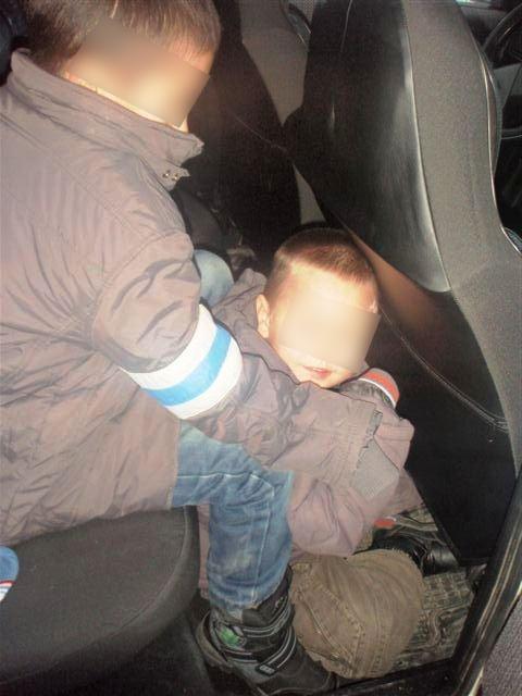 Иностранка пыталась переправить детей через госграницу (2)