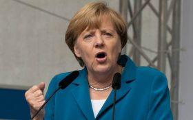 Меркель обратилась к Путину с жестким требованием