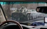 У оккупированного Луганска заметили колонну военной техники: опубликовано видео